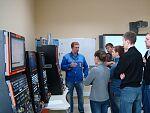 Ведущий специалист ООО ИПК «ХАЛТЕК» (выпускник МФ) Д.И. Золотухин знакомит магистрантов с технологическим оборудованием